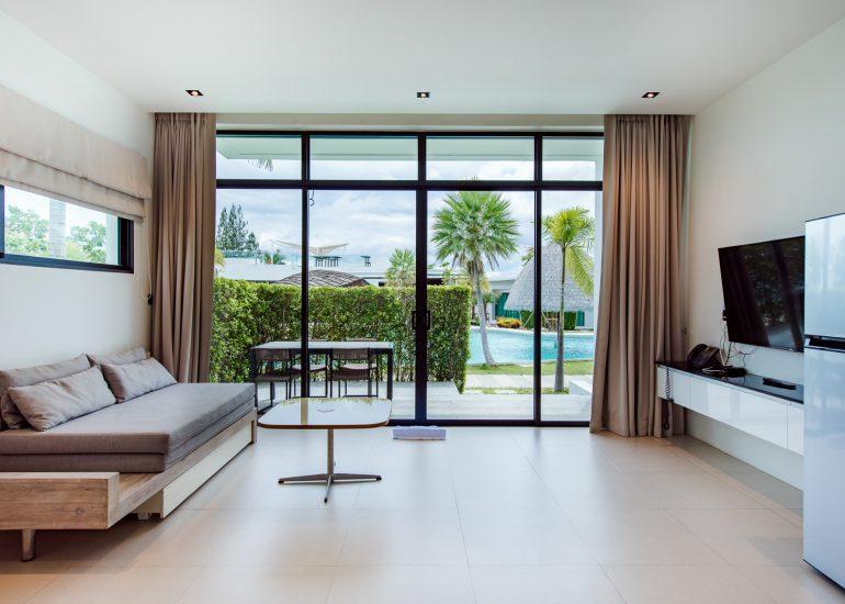 1 Bedroom Apartment Pool Access